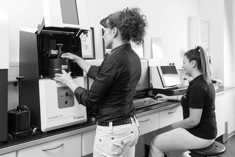 Biokompatibel UND nachhaltig – Gedruckter Zahnersatz by Antweiler